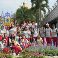 Field Trip to Dream World Year 11